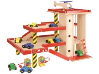 Großes Kinder Parkhaus aus Holz